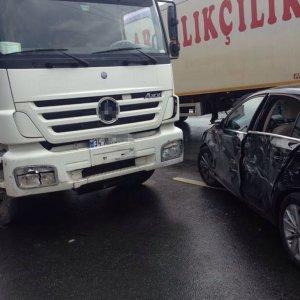 Esra Erol trafik kazası geçirdi !