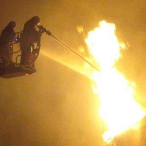 Uşak'ta yangın zorlukla söndürüldü