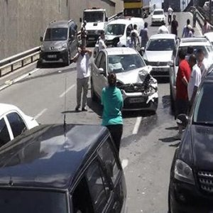 Şile'de zincirleme kaza: 15 araç birbirine girdi !