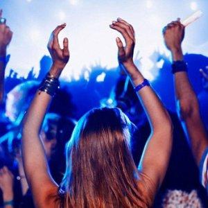 Müzik festivalinde genç kızları taciz ettiler !