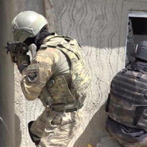 Ağrı'da teröristlerle çatışma !