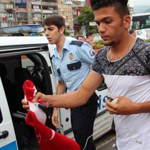 Iraklı ve Türk gencin kavgasını polis ayırdı