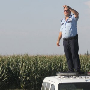 Adana'da polis mısır tarlasında yaralı şahıs aradı !
