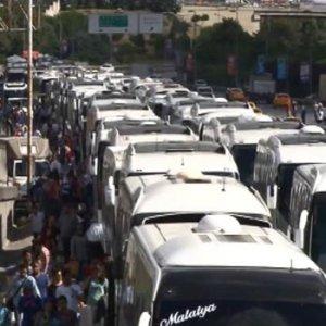 İstanbul'da tatil dönüşü yollar kitlendi !