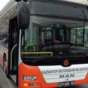 Şoförle tartışınca belediye otobüsünün anahtarını çaldı !