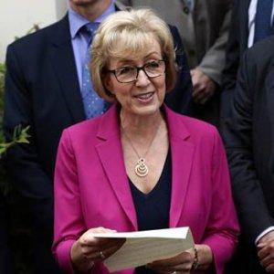 İngiltere'nin yeni başbakanı May oldu