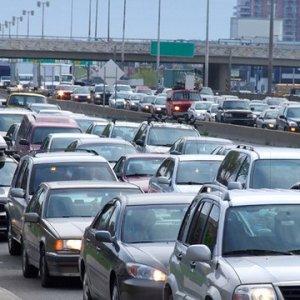 TEM'de zincirleme kaza: Trafik felç oldu