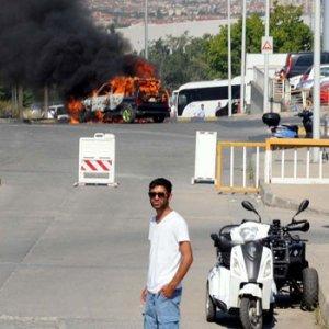 Atatürk Havalimanı'ndaki yangın korkuttu !