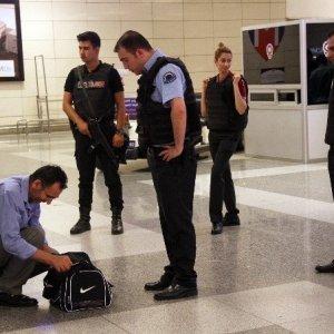 Fransa'daki saldırının ardından İstanbul'da didik didik arama !