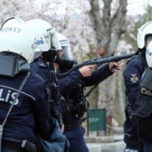 Polislere ''silah kullan'' emri verildi !
