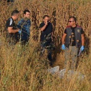 Kasksız motosiklet sürücüsü öldü