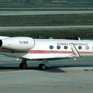 Erdoğan'ın uçağı darbecilerden nasıl kurtuldu ?