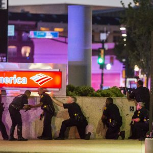 Poliselere silahlı saldırı !