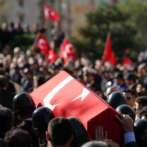 PKK ile çatışma çıktı: 3 polis şehit 2 polis yaralı