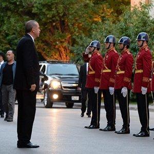 Erdoğan'ı Meclis'te polis karşıladı !
