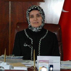 Türkiye'nin ilk türbanlı rektörü tutuklandı