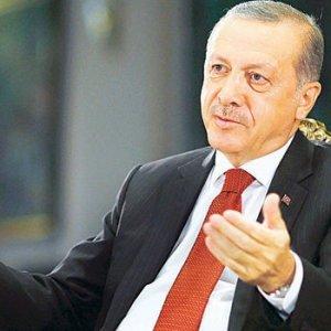 Erdoğan Merkel'e fark attı !
