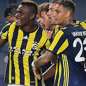 Fenerbahçe'yi Emenike uçurdu !