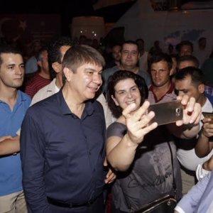 Antalya'da demokrasi nöbetine yoğun ilgi