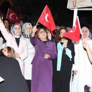 Fatma Şahin'den Kısıklı'daki demokrasi nöbetine destek