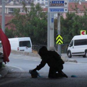 İstanbul'da panik ! Yol kenarında bulundu