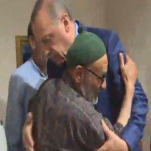 Erdoğan acı haberi alınca hastaneye gitti