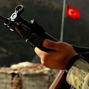 Nizamiyede dehşet: Silah arkadaşını öldürdü