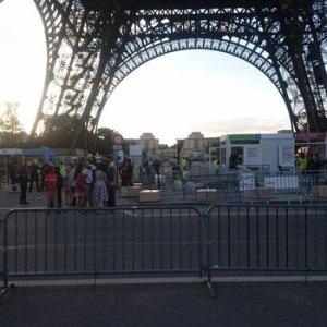 Fransa'da şüpheli paket alarmı !