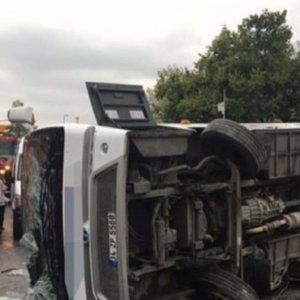 Yolcu otobüsü devrildi: 3 yaralı