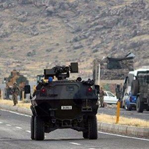 PKK'lılar Hakkari'de saldırdı !