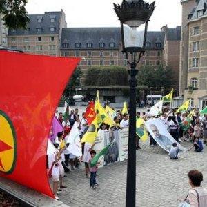 Avrupa PKK yanlılarına izin verdi