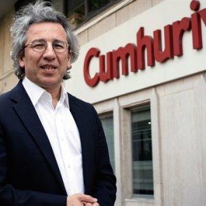 Cumhuriyet Gazetesi'nde deprem: Can Dündar istifa etti