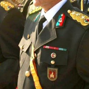 20 rütbeli asker gözaltında
