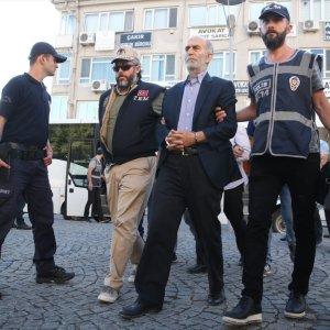 Eski vali FETÖ'den tutuklandı