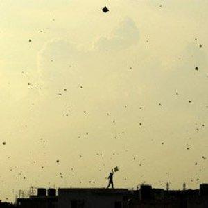 Hindistan'da uçurtma kazası 3 can aldı !
