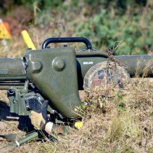 Almanya'dan Peşmerge'ye silah takviyesi