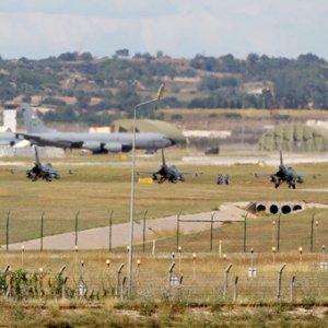 Times: ''Rusya İncirlik için Türkiye'ye baskı yapıyor''