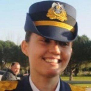 Darbeci kadın pilot isim verdi
