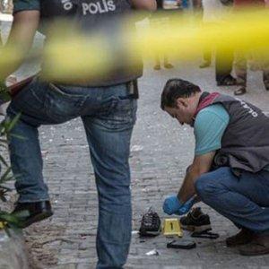 Olay yerinde canlı bomba yeleği bulundu
