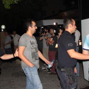 FETÖ'cü polisleri böyle uğurladılar: Türkiye'nin gururusunuz