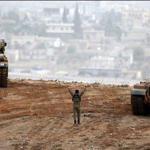 Cerablus'a girildi, IŞİD paçavrası indirildi