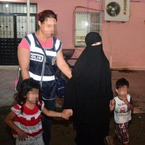 Kucağında bebeğiyle gözaltına alındı