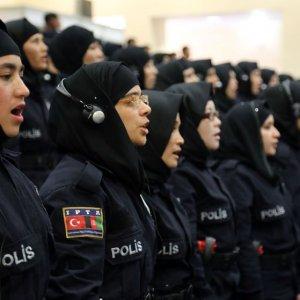 Artık polislerde de başörtüsü serbest