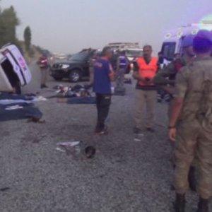 Yolcu otobüsüyle çarpıştı: 7 ölü