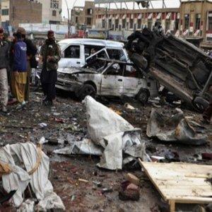 Askeri kampa saldırı: 60 ölü