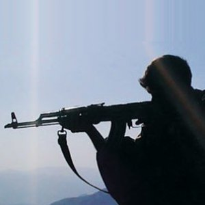 PKK'lılar öğretmenlere saldırdı !