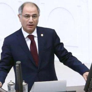 Ankara Efkan Ala'nın ''görevini bırakmasıyla'' çalkalanıyor