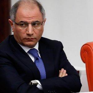 Bakan Ala'nın istifasını kim istedi ?