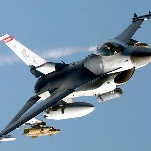 Türk savaş uçakları peş peşe vurdu