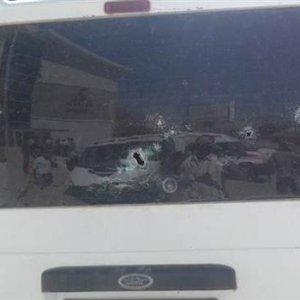 PKK'lı teröristler Çukurca'da minibüs taradı